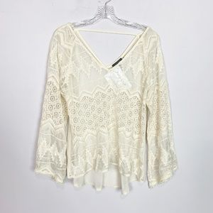 ASTR the Label cream lace v neck bell sleeve top M